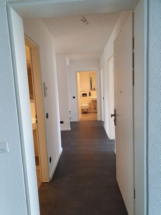 Moderne 3-Zimmer-Balkon-Wohnung