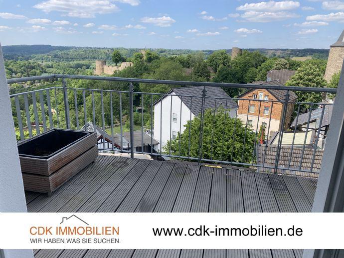 Helle 3-Zimmer-Wohnung im Neubaustandard mit Einbauküche, Aufzug, Balkon und Blick auf Burg Blankenb