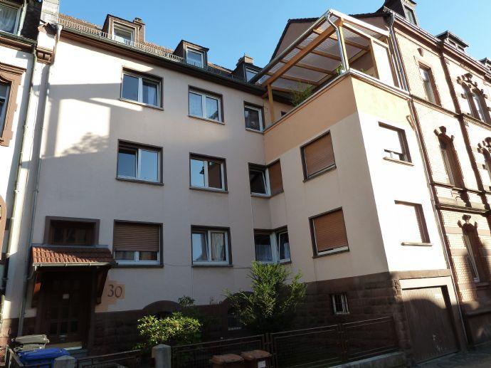 Großzügige Dachgeschosswohnung in zentrale und ruhiger Lage von Pirmasens zu vermieten