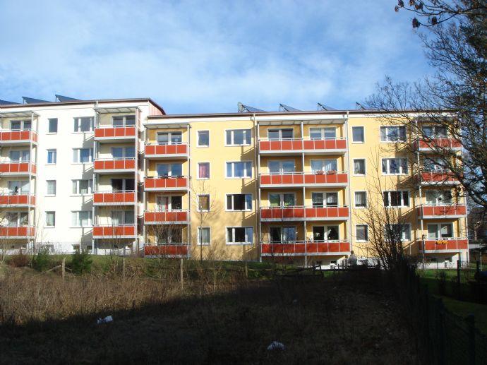 Schöne 2 Zimmer Wohnung mit großem Balkon