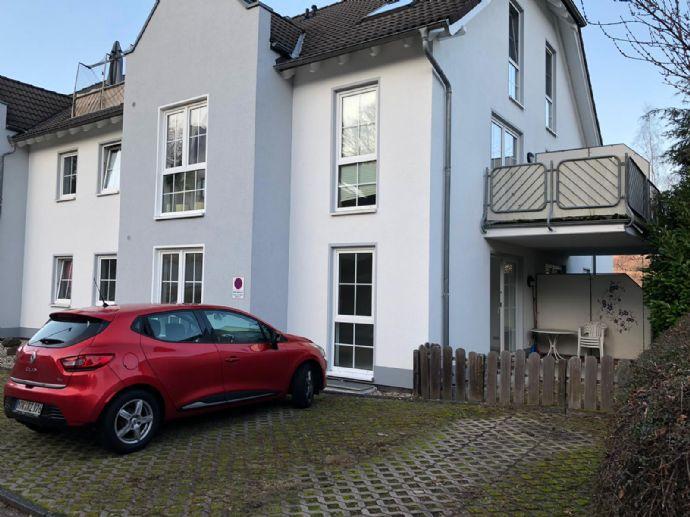 Vermiete 2-Raum Dachgeschosswohnung mit Dachloggia und Einbauküche