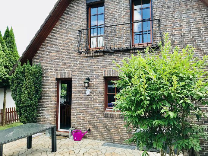 Tip Top eingerichtetes voll möbliertes Einfamilienhaus im Herzen von HH-Heimfeld zu verkaufen