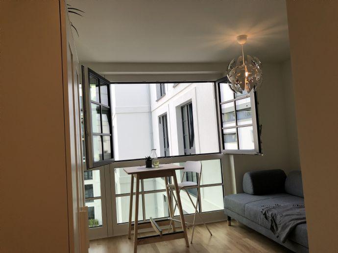 1-Zi Apartment, 'Rundumsorglospaket', komplett ausgestattet, incl NK, Strom und Internet, in Bahrenfeld/Ottensen mit Dachterrasse