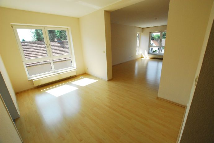 3-Zimmer Wohnung mit EBK Balkon