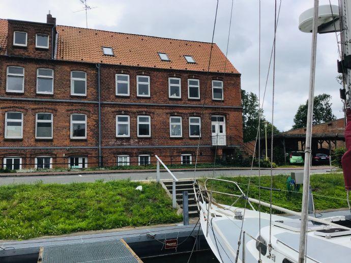 Glückstadt/Yachthafen 3-Fam.Haus in einzigartiger Lage direkt am Wasser