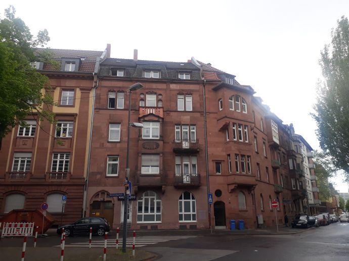 TOP Kapitalanlage! MFH mit Gewerbeeinheiten, Hof, Garten und Doppelgarage in Ludwigshafen Süd