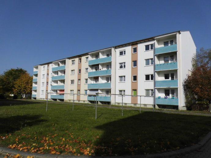 Schöne 3-Raum-Wohnung im Erdgeschoss. Kita und Grundschule in direkter Nähe