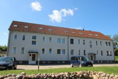 Relia Immobilien**Gepflegte 3 Zimmerwohnung nahe Güstrow