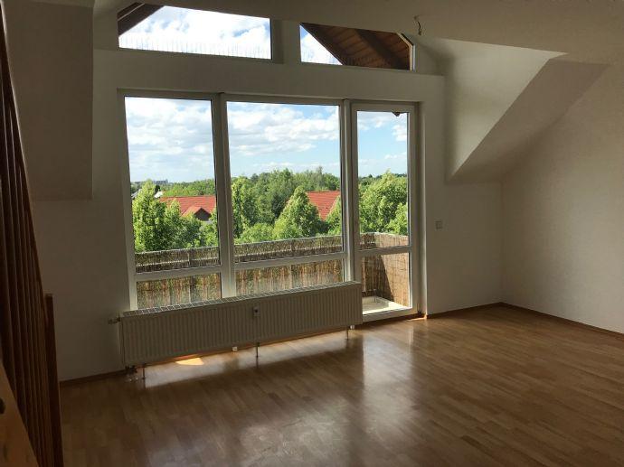 Tolle und helle 3 Zi.-Maisonettewohnung mit Balkon