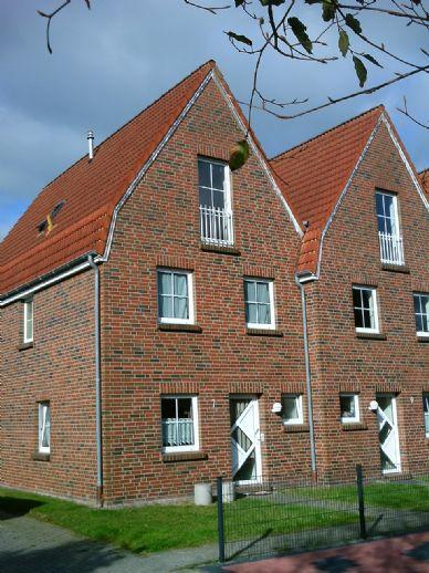 Haus, 5 Zimmer, Küche, 3 Bäder, inkl. Grundstück Nähe Hochschule Emden zu verkaufen oder mieten!