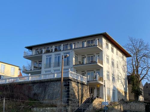 Idyllisch gelegene 3 Zimmer-Wohnung mit Elbblick