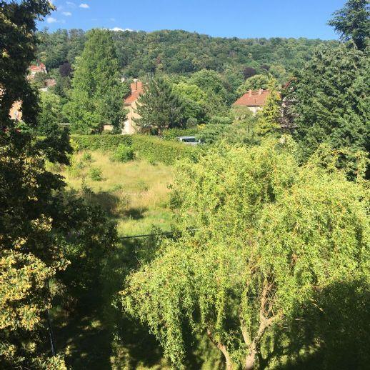 Am Schloßpark Pillnitz- exponiertes Baugrundstück für Einfamilienhaus mit Baugenehmigung umständehalber zu verkaufen