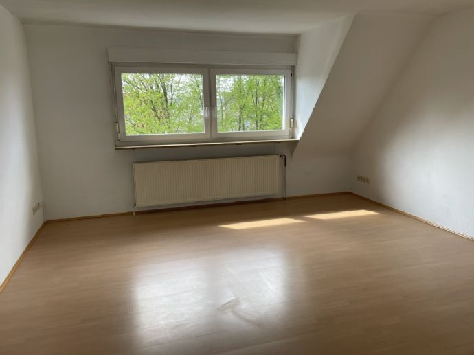 Charmante Maisonette-Wohnung in Kaiserslautern. Ideal für Paare!