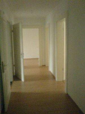 gemütliche 3-Zimmer-Wohnung in Eutritzsch / Zentrum-Nord mit EBK, Wannenbad mit Fenster, Laminat, Ergeschoß - ab Dezember