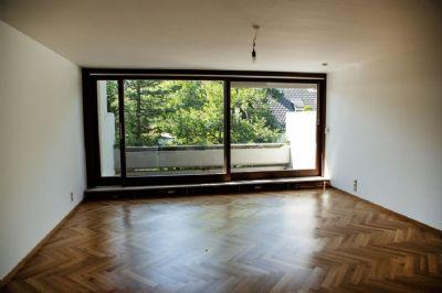 sofort beziehbare, komplett neu renovierte, große zwei-Zimmer Wohnung in Top Lage Münchens