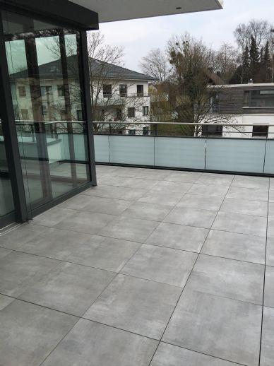 2-ZKB Penthousewohnung mit schöner Terrasse in Wilhelmshöhe