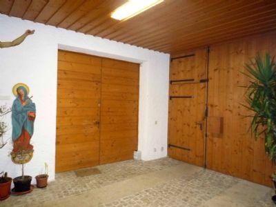 Einfahrt (zw. Haupthaus und Anbau)