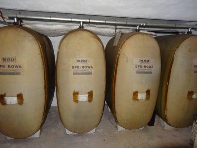Öltanks (mit ca. 4000 Liter Öl befüllt)