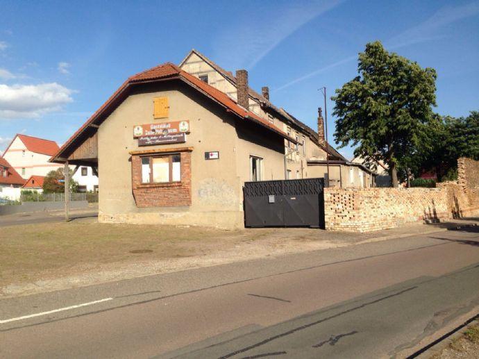 Gaststätte Wohnhaus mit Garten in Schkopau Döllnitz