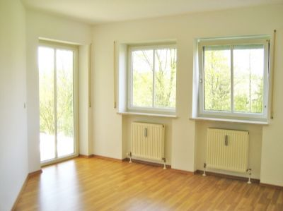 moderne 4 zimmer maisonetten wohnung mit garten und terrasse fast wie eine dhh in. Black Bedroom Furniture Sets. Home Design Ideas