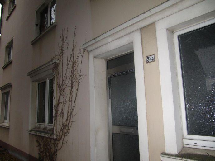 Kleines 3-Familienhaus (150 m² WFL) mit 1.082 m² Grundstück, in Recklinghausen-Hillerheide, als z.B. Mehrgenerationenhaus.