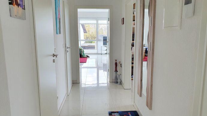 Hochwertige 3-Zimmer-Eigentumswohnung im 1 OG