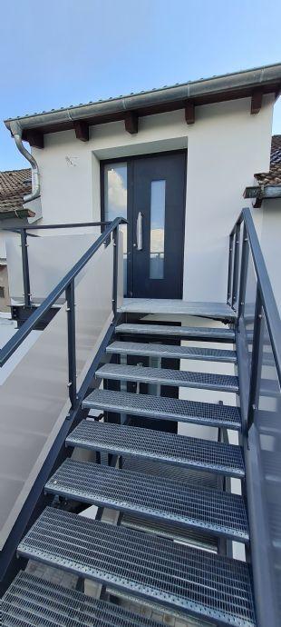 2-Zimmer-Dachgeschoss-Loftwohnung Erstbezug nach Kernsanierung