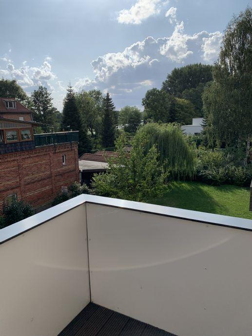Moderne 2-Zimmer-Wohnung mit großem Balkon sowie Garagenstellplatz und Fahrstuhl in bester Lage von Stralsund - sehr gehobene Ausstattung