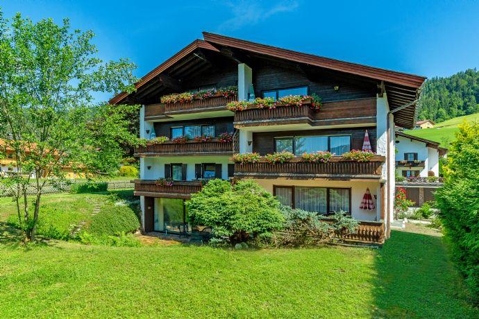 REIT IM WINKL: traditioneller, großzügiger Landsitz