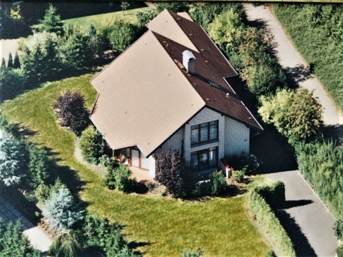 --Einfamilienhaus mit Garage in sehr guter Lage--