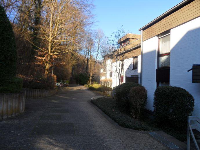 Bonn komplett möblierte gemütliche   Terrassenwohnung  über den Dächern von Bonn-Dottendorf am Venus
