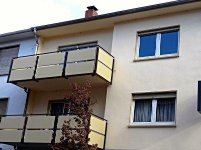 Wohnungs-Außenansicht mit Balk