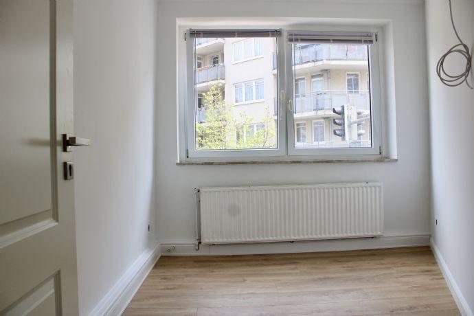 WG Zimmer: Neu renoviert im beliebten Linden-Nord. Helles modernes 12 qm WG Zimmer in top Lage!
