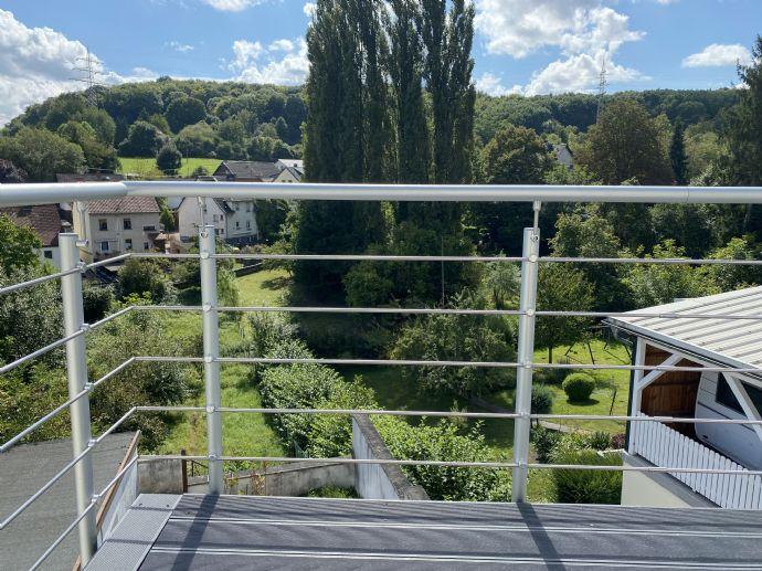 2,5-Zimmer-Wohnung mit Einbauküche und Balkon in Völklingen zu vermieten