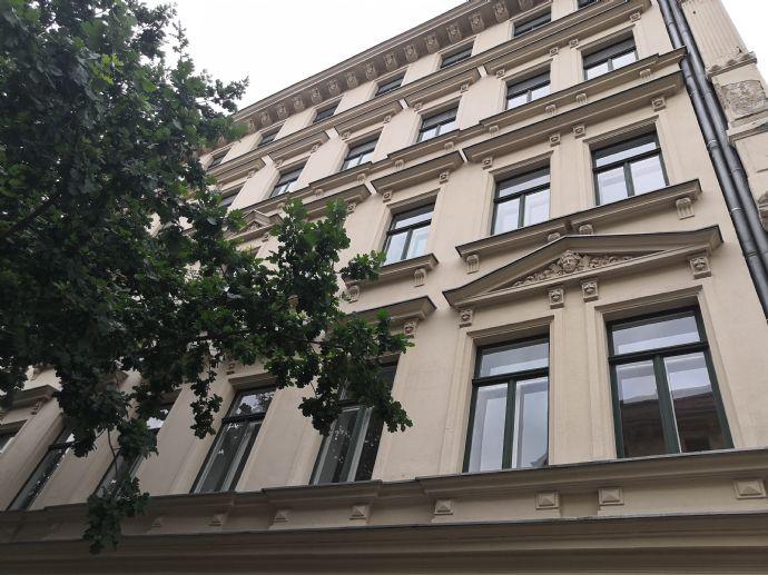 3-Zimmer Zenrrum NO - Eigennutz - ab sofort - Balkon - EBK - Wannenbad mit 2 Fenster - 2x ASR - separater Keller