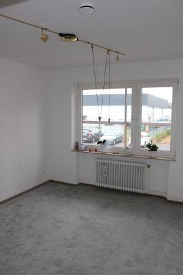 seniorengerechte wohnung im erdgeschoss mit balkon in ruhiger lage etagenwohnung bad bramstedt. Black Bedroom Furniture Sets. Home Design Ideas