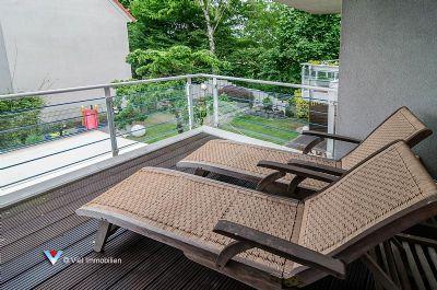 haus im haus traumwohnung auf zwei etagen mit gartenanteil frankfurt bergen enkheim. Black Bedroom Furniture Sets. Home Design Ideas