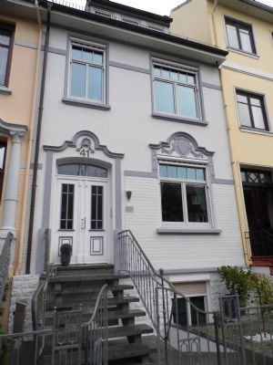Top Saniertes und Individuelles, Anspruchsvolles Alt-Findorffer 2 Familienreihenmittelhaus mit Stuckfassade