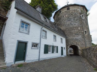 Felsenhäuschen - Wohnen am Fuß der Burg in der hostirischen Altstadt von Monschau