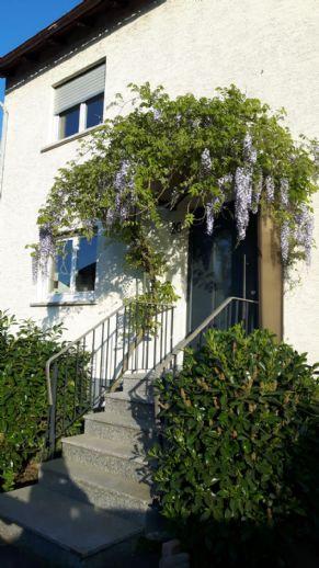 Freistehendes, frisch renoviertes Traumhaus in Mainhausen sucht nette Mieter