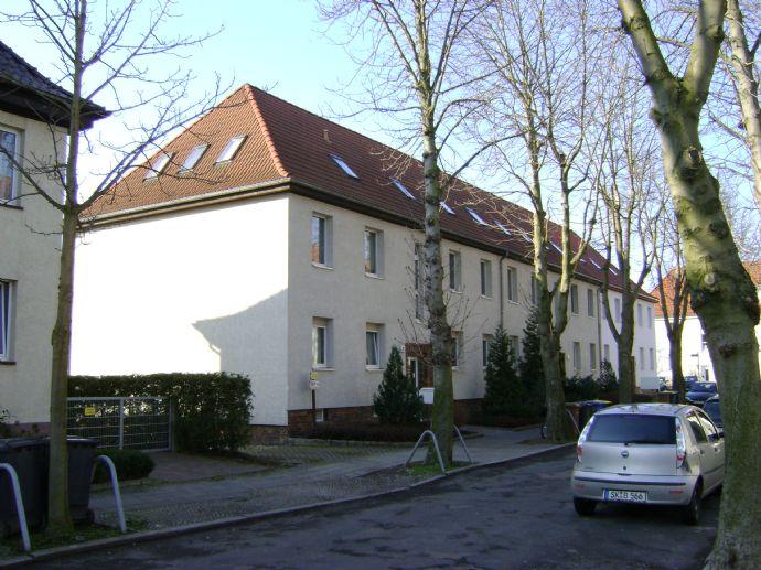 Gemütliche 1-Zi+Kü-Dachgeschosswohnung