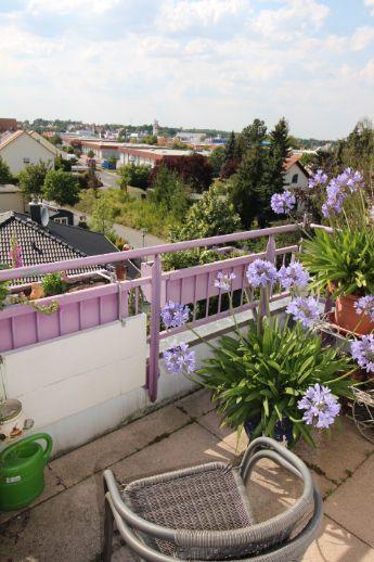 Tolle DG-Wohnung mit Balkon und TG