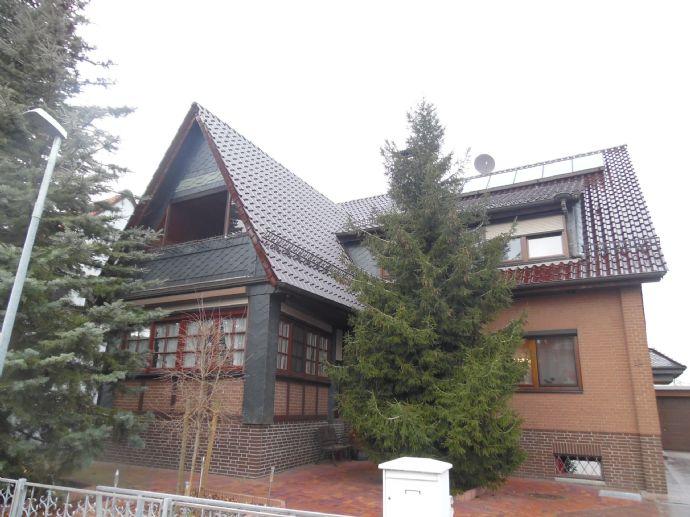 Großzügiges Zweifamilienhaus mit Einliegerwohnung