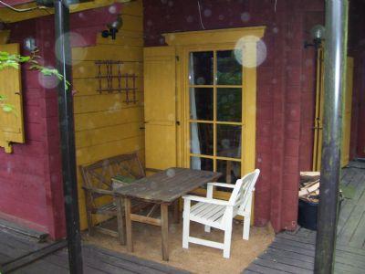 Kleine Terrasse (Raucherecke)