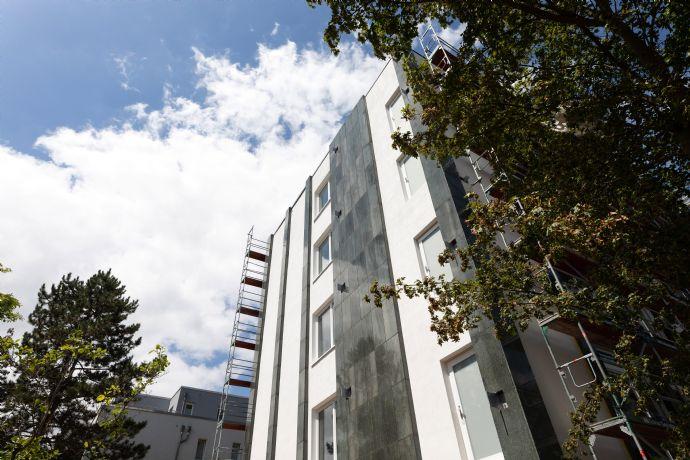 """""""Erstbezug"""" möbilierte Einzimmerwohnung mit Balkon in Düsseldorf Rath"""