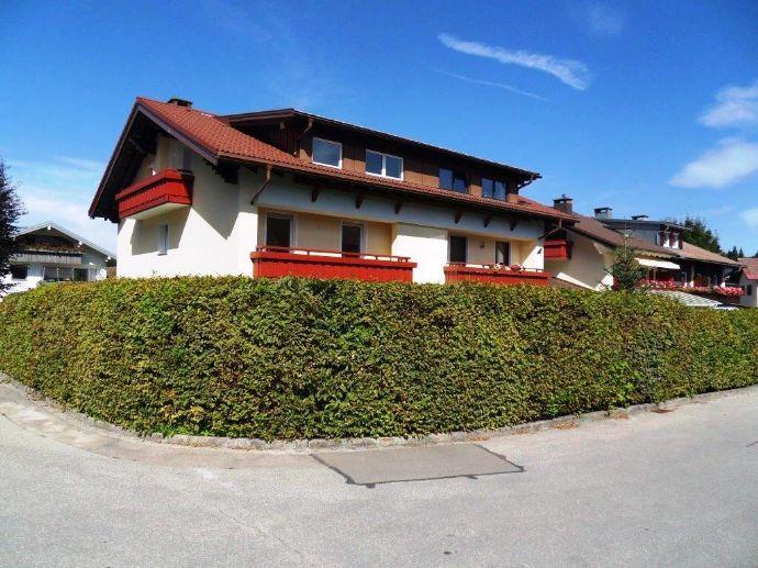 Grosszügige Doppelhaushälfte in ruhiger,exponierter Lage von Oberstaufen!