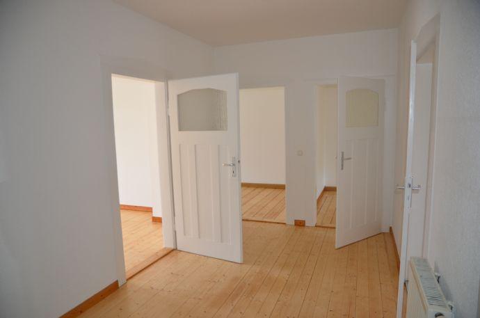 Große Familienwohnung mit 4 Zimmern in beliebter Wohngegend von Zwickau - Jetzt anschauen!