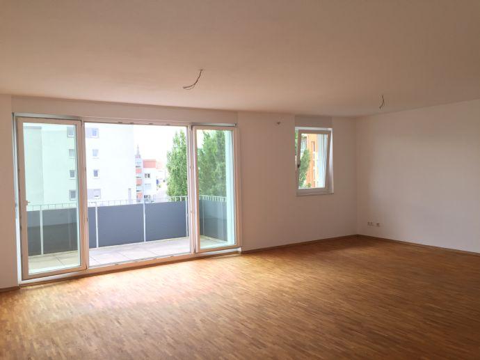 Hochwertige, moderne 3-Zimmer-Wohnung mit großem, sonnigen Balkon