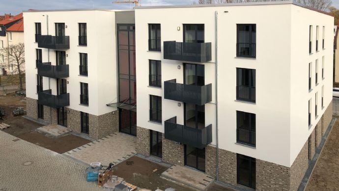 Neubau-Erstbezug: 3-Zimmer-Wohnung mit Loggia im Quartier Berliner Straße