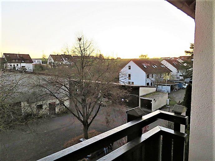 Helle, großzügige 3,5 Zimmer-ETW in Leonberg-Gebersheim